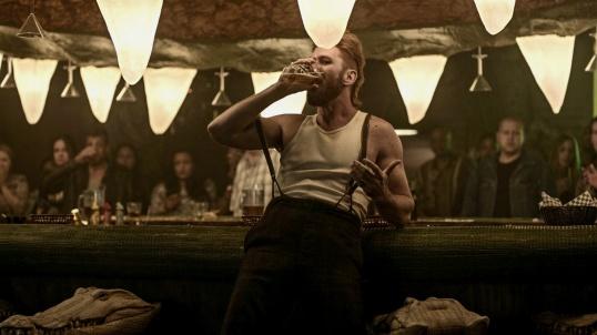 Pablo Schreiber (Mad Sweeney)